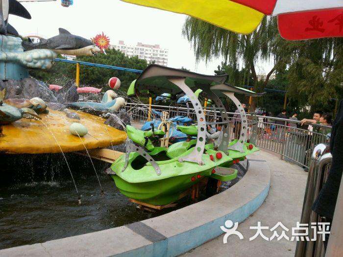 小河沿动物园游乐场-海波